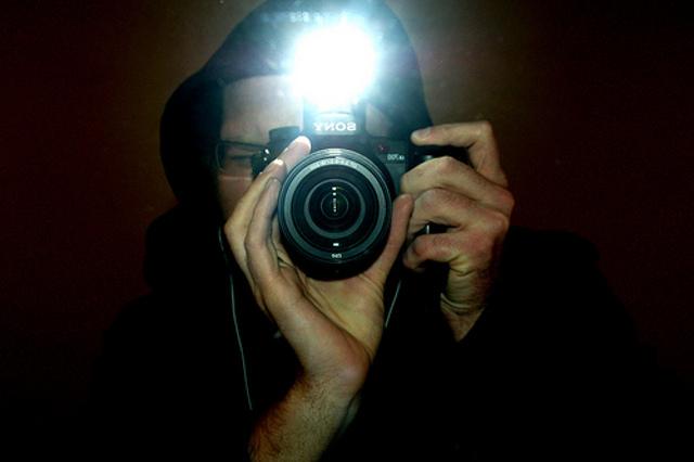 http://images.detik.com/content/2013/06/19/1279/flashcamera.jpg