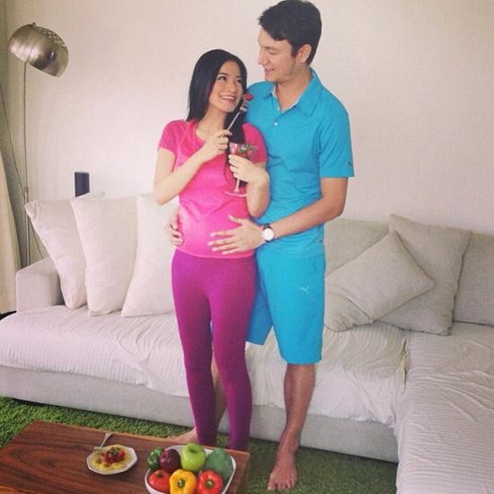 YOUTUBE TITI KAMAL HAMIL [FOTO] Pasangan Titi Kamal Dan Christian Sugiono Sedang Menunggu Anak Pertamanya