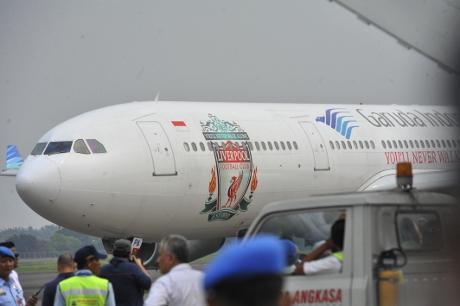 Liverpool ke Indonesia dengan Pesawat Garuda Indonesia