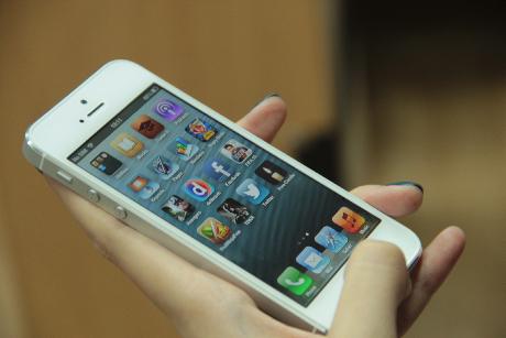 Apple Menang Perang Paten Lawan Samsung