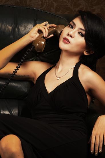 Anggita Sari Sexy In Black