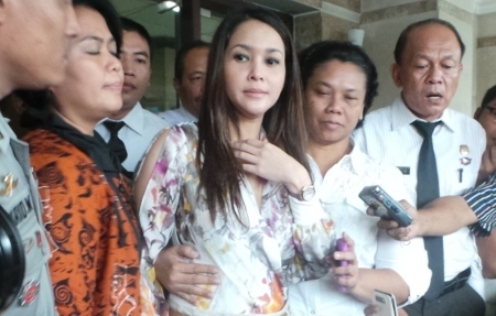 Maia Estianty penuhi panggilan polisi terkait kecelakaan yang melibatkan Dul