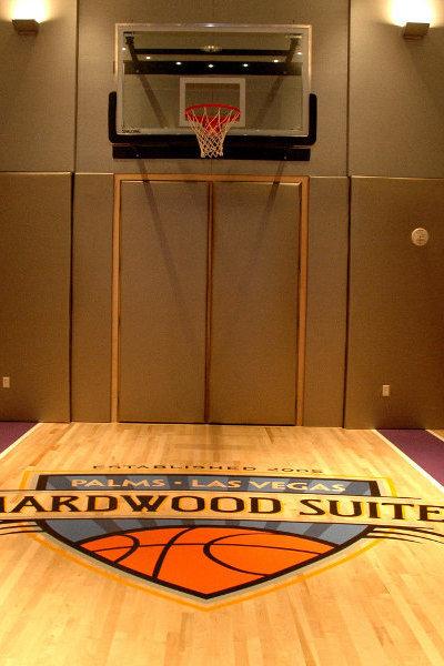 Kamar dengan lapangan basket