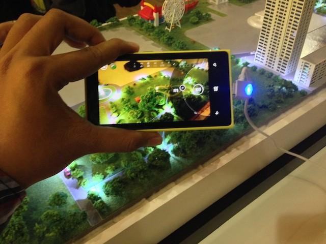 http://images.detik.com/content/2013/12/09/1146/lumia10209.jpg