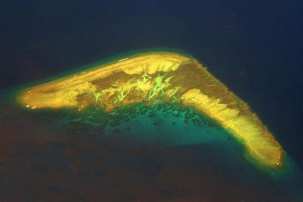 Indahnya Pulau-pulau Eksotis yang Berbentuk Unik