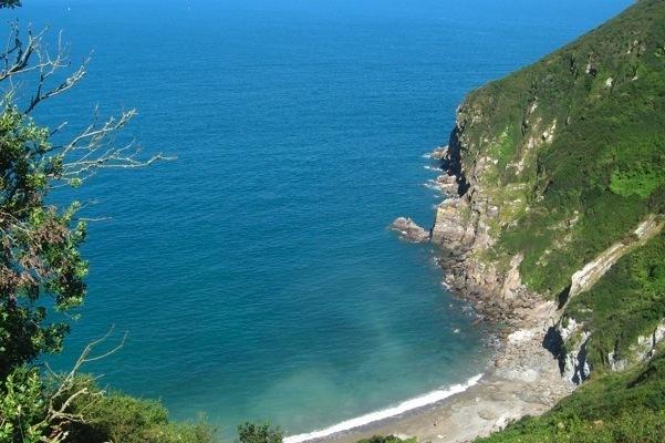 Pantai Nudis di Eropa yang Turis Jarang Tahu