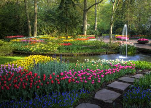 Taman Bunga Tercantik Di Dunia - mindakini.com