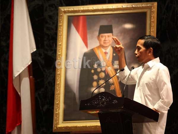 Soal Gaji, Jokowi: Itu Urusan Pribadi