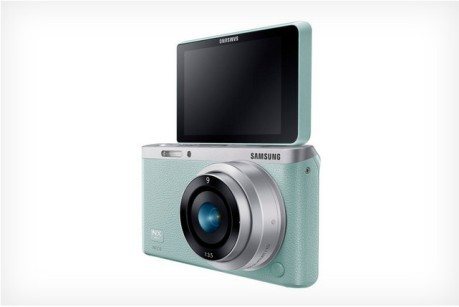 NX Mini, Mirrorless Camera for Selfie Lover