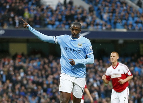 City Gunduli Fulham 5-0, Toure Hat-trick