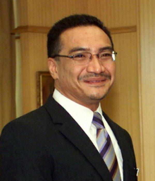 Hishammuddin, Menteri yang Mencuri Perhatian Dunia di Tengah Krisis ...