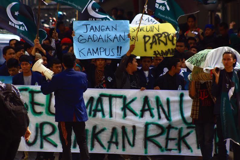 demo mahasiswa uin bandung ke rektor