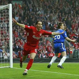 'Gol Hantu' yang Membayangi <i>The Reds</i> vs <i>The Blues</i>