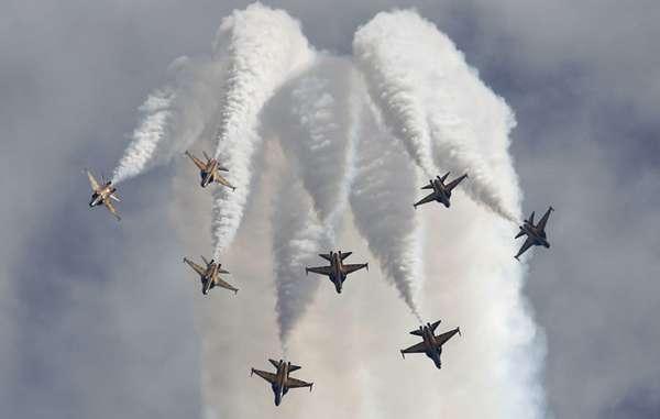 http://images.detik.com/content/2014/06/27/1036/171809_jet.jpg