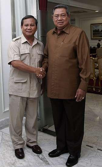 Presiden Soesilo Bambang Yudhoyono disebut-sebut pernah memukuli Prabowo Subianto di masa lalu
