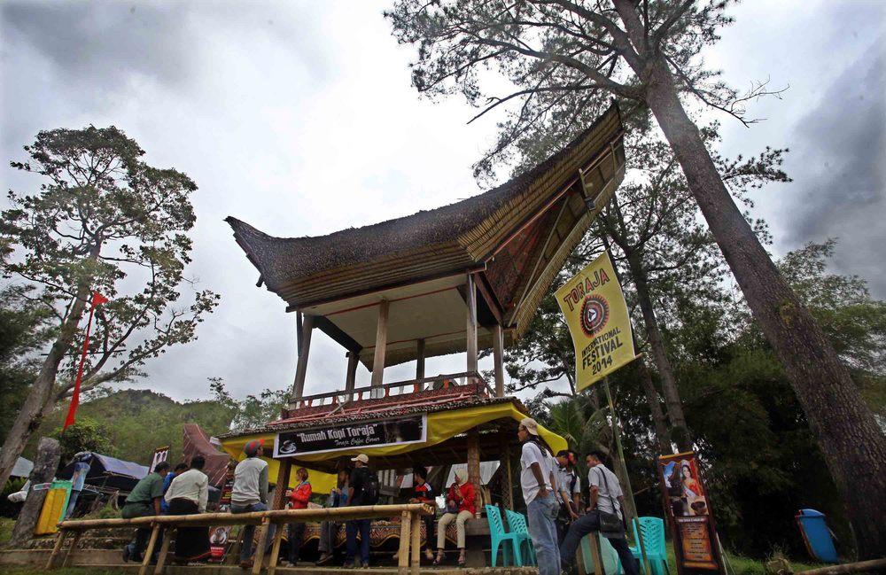 Coffee shop memberikan kopi gratis selama Festival Toraja 2014
