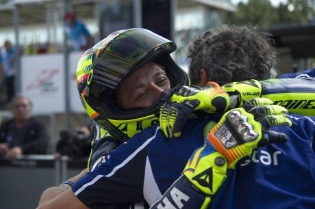 Naik Podium dan Kalahkan Marquez, Rossi Puas Dua Kali