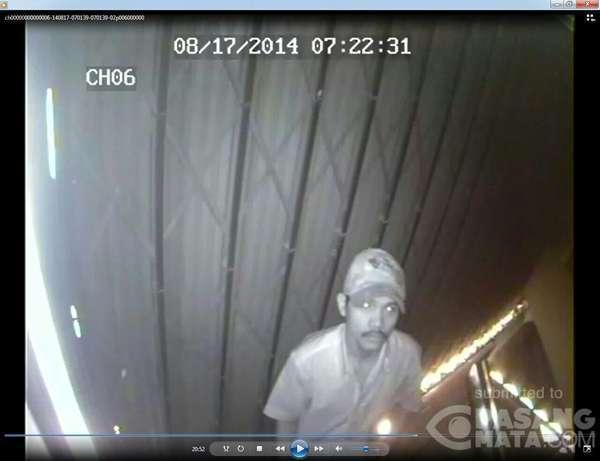 Ini Wajah Maling yang Terekam CCTV Saat Beraksi di Cinere