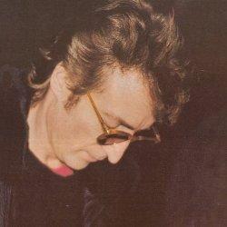 Mengenang Kisah Pilu Pembunuhan John Lennon