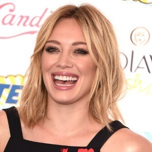 Hilary Duff Tunda Rilis Album Baru