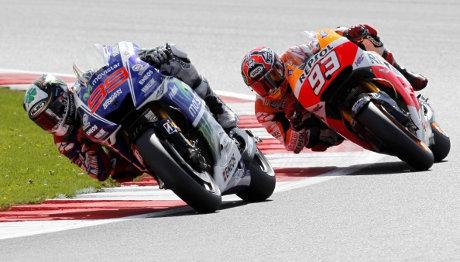 Lorenzo Tak Permasalahkan Senggolannya dengan Marquez