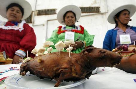 Berani Cicip Makanan Ekstrim Ini? Kadal Panggang, Tikus Bakar, dan Sup Darah Segar (1)