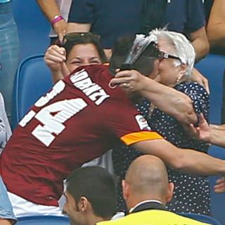 Conte Apresiasi Perayaan Gol Florenzi