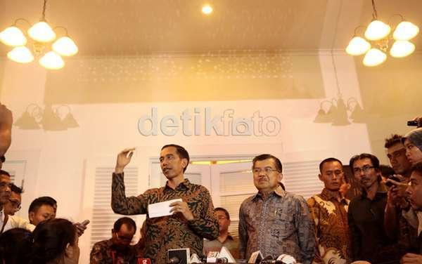 Harga BBM Naik Rp 3.000/Liter di November, Jokowi Siapkan BLT