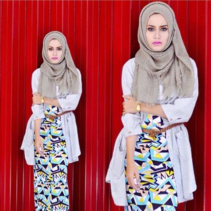 Busana Muslim Trendy Hijab Style Padu Padan Busana Bermotif Ala