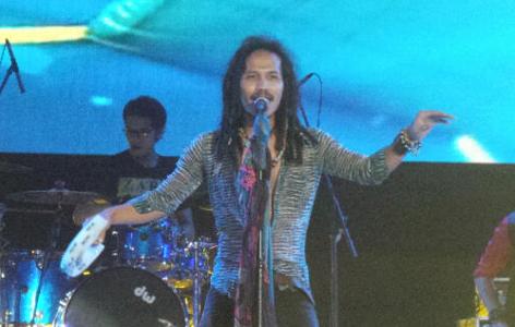 Ipang Suguhkan Perjalanan Cinta di Panggung Soundsfair 2014