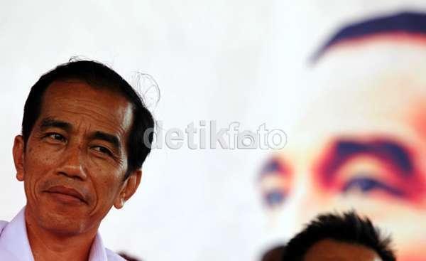 Jokowi Gelar Rapat dengan Para Menteri Ekonomi Bahas Dolar yang 'Mengamuk'