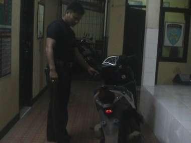 Polisi Tangkap Begal Motor di Subang