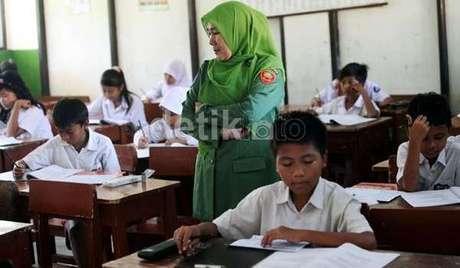 PGRI: Indonesia Darurat Guru SD!