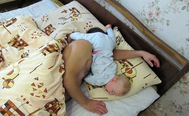 папа спит мама тахаеца фото