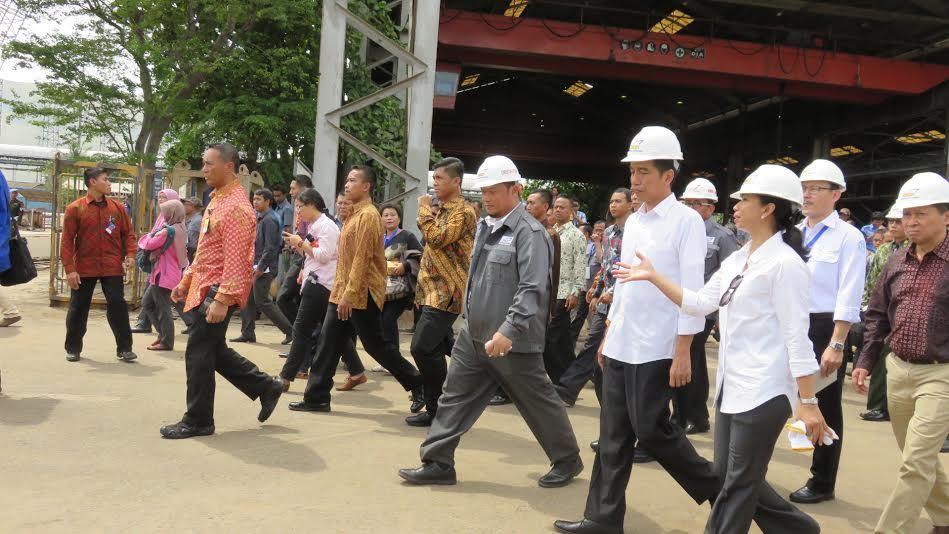 Blusukan ke Galangan Berusia 52 Tahun, Jokowi: Harusnya Sudah Bisa Bikin Kapal Selam