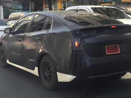 Toyota Tes Prius Model Anyar di Thailand