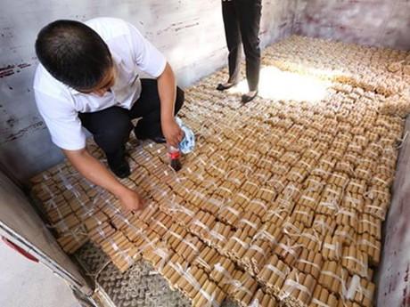 Karyawan SPBU Beli Mobil Pakai 4 Ton Uang Koin