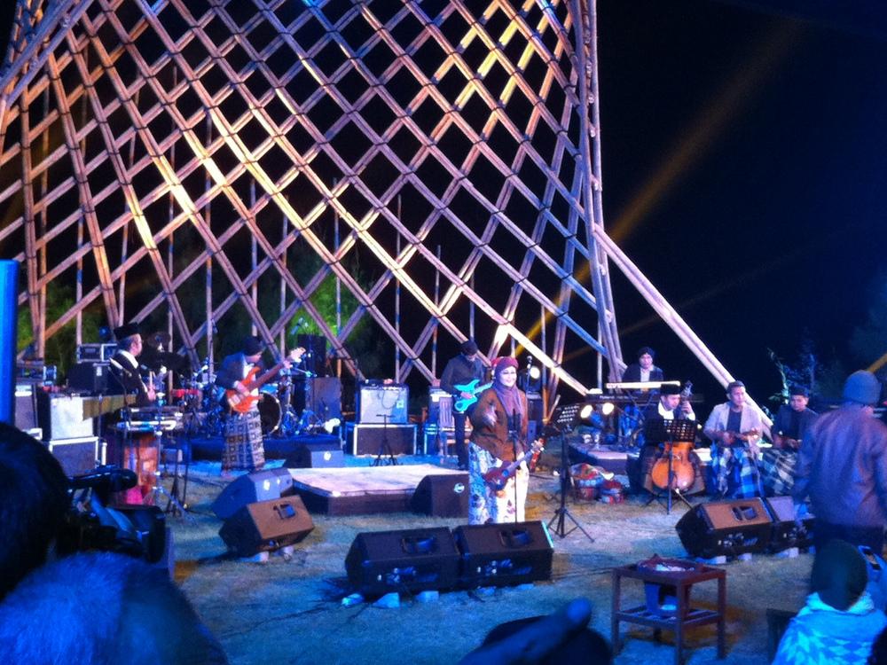 Jazz Gunung 2015 Hari Pertama Ditutup Oleh Penampilan Tulus