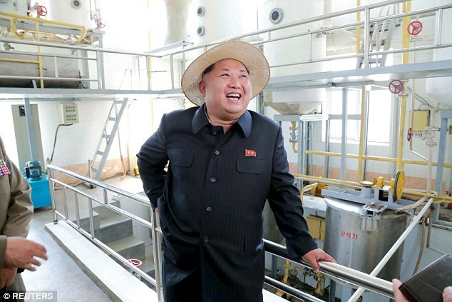 Terlalu rakus Kim Jong-un susah jalan !