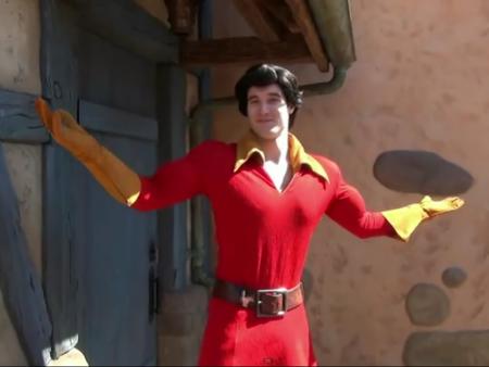 Nyalakan Kembang Api di Atas Kepala, Mantan Aktor Disney World Tewas Seketika