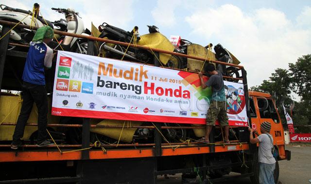 Mudik Bareng Honda Berangkatkan 1.100 Sepeda Motor