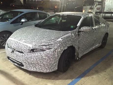 Sosok Honda Civic Model Terbaru Mulai Terungkap