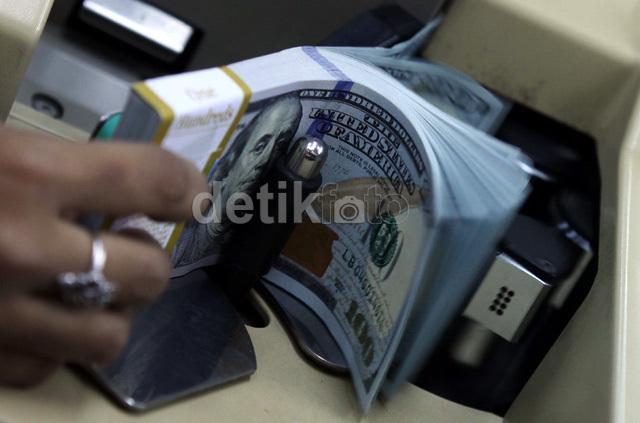 Dolar AS Sentuh Rp 13.947