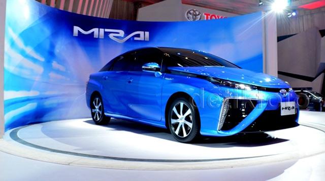 Toyota Mirai Hebohkan GIIAS 2015