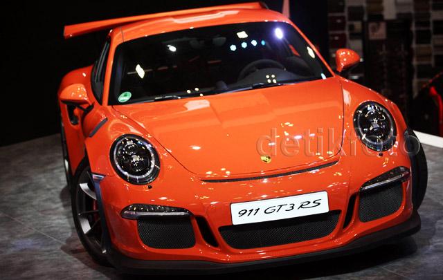 Dua Mobil Sport Porsche Hadir di GIIAS