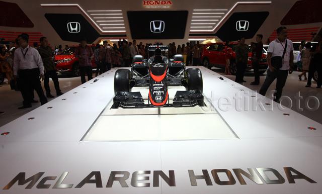 Mobil F1 Tim McLaren Honda Mejeng di GIIAS