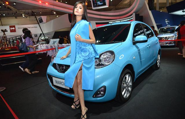 Si Biru Nissan March yang Menggoda