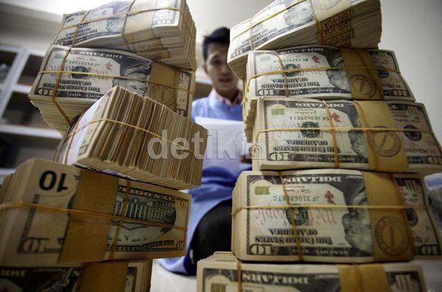 Dolar Rp 14.200 Bank Masih Aman, Kalau Rp 15.000 Bagaimana?