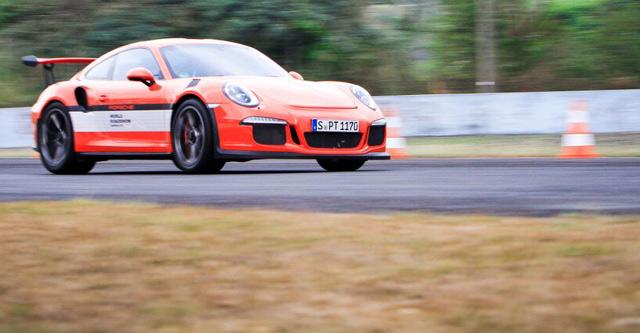 Jajal Porsche di Sirkuit Sentul Yuk..