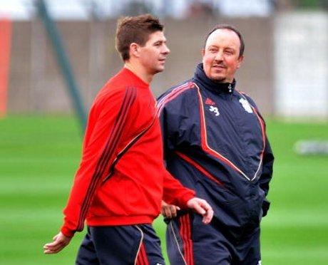 Benitez Balas Klaim Steven Gerrard